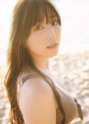 モーニング娘。'18 譜久村聖 写真集『Makana』:モーニング娘。'18 譜久村聖 写真集